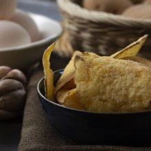 Khoai tây sấy giòn trứng muối